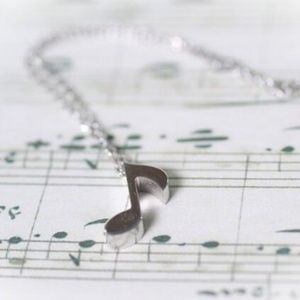Jewelry - Musical Note Necklace Silver Womens Jewelry *New*
